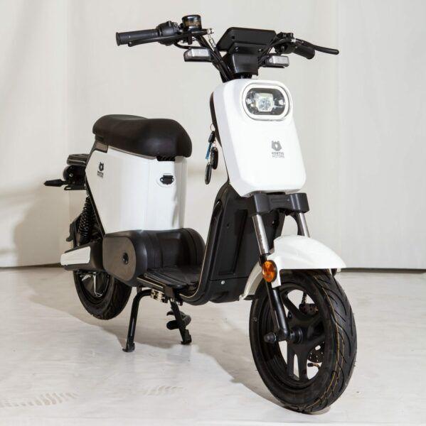 Kontio Motors E-Move valkoinen sähkömopo 45km/h